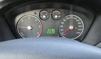 #59338 Ford Focus 2005 Benzine vol