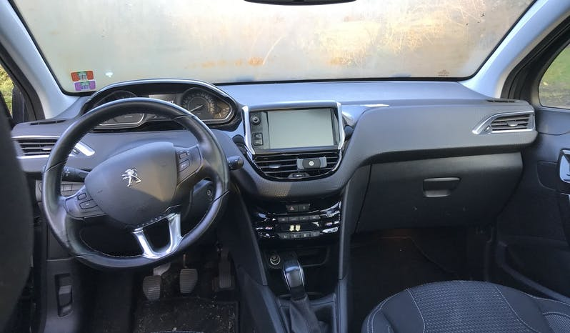 #90042 Peugeot 208 2016 Essence full