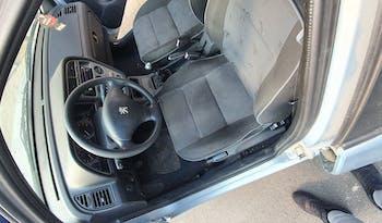 #90400 Peugeot 206 2001 Benzine vol